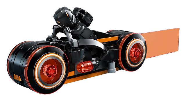 周边 | 光轮机车真的帅翻天!! LEGO 21314 Ideas 系列《创战纪》Tron Legacy