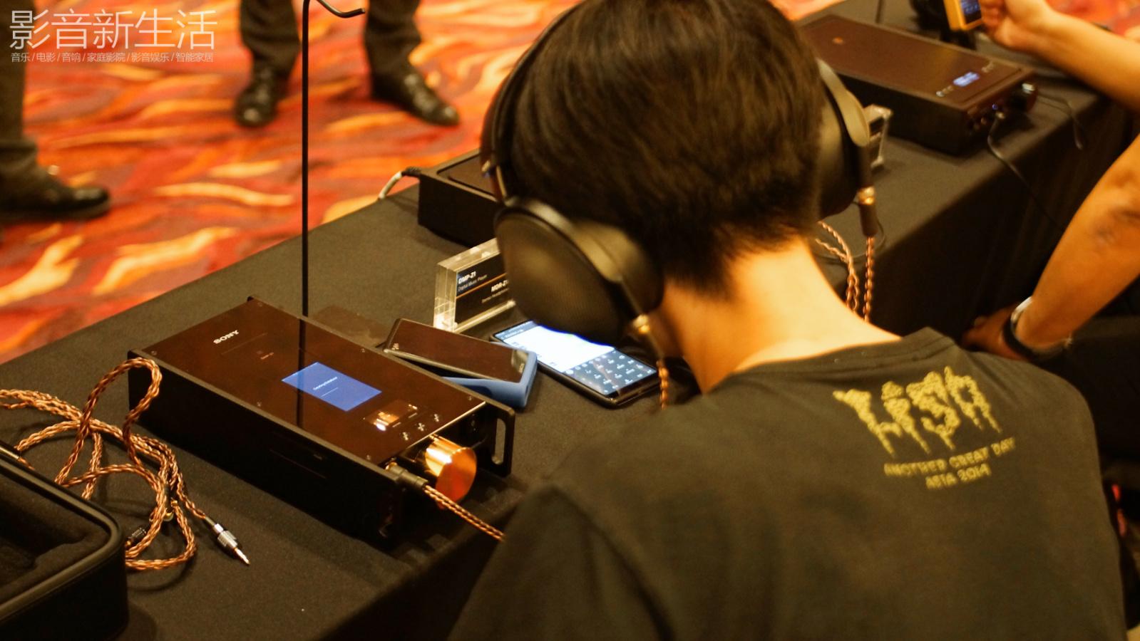 "Sony Hi Res 2018 53 - 新品 | ""重塑随身音乐娱乐王朝!"":Sony索尼发布Signature醇音系列新兄弟IER-Z1R和DMP-Z1,以及舞台监听耳机系列:IER-M7和IER-M9,还有升级款MDR-Z7M2!"