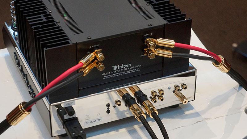 MA252提供平衡和非平衡接口,并有低音输出和唱头放大输入