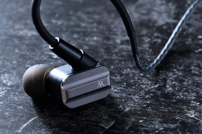 """试用   """"中频醇厚,低频丰润,全面照顾你的需要"""" Acoustic Research AR-E10 圈铁混合耳机-影音新生活"""