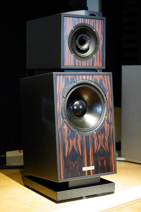 1 2 - 新品 | 如美玉 如沉香:德国动能DynamiKKs!Monitor 8.12号角音箱
