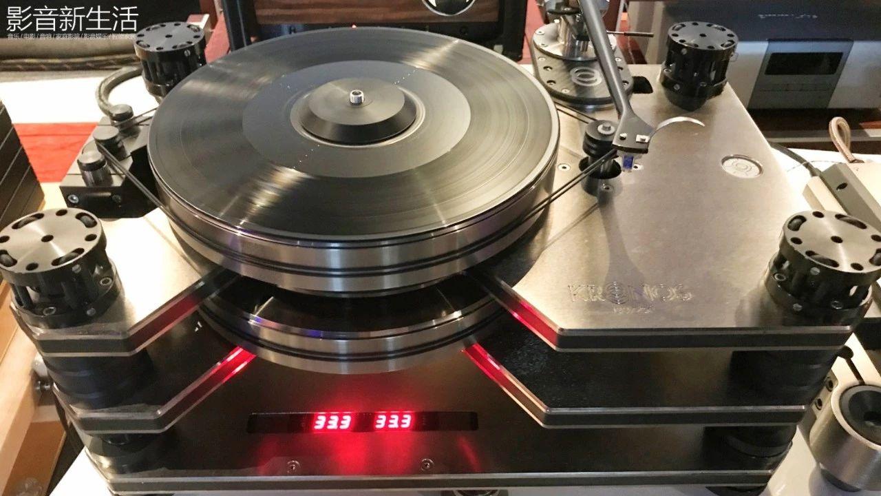"""640 32 - 现场   """"世界上唯一双转盘动力系统的顶级黑胶天盘"""" 加拿大 Kronos PRO重磅亮相"""