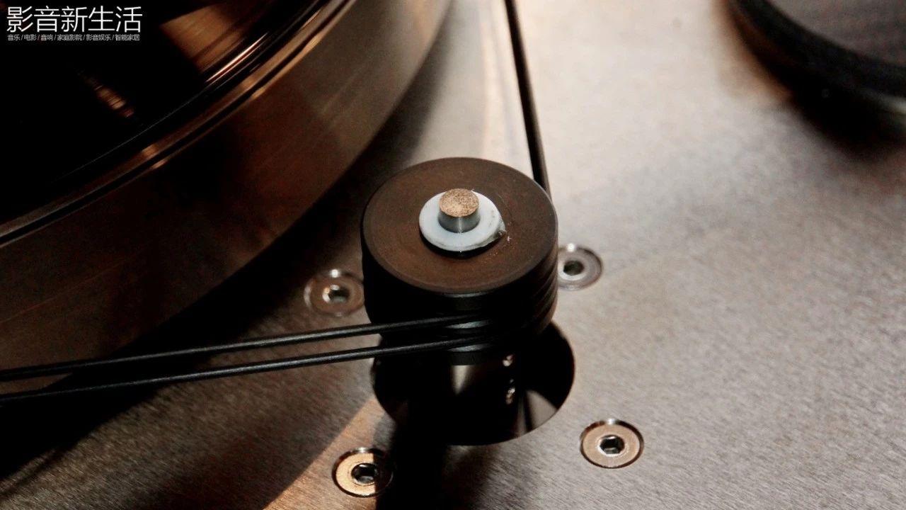 """640 36 - 现场   """"世界上唯一双转盘动力系统的顶级黑胶天盘"""" 加拿大 Kronos PRO重磅亮相"""