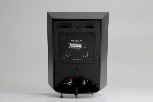 showimage2046 - 新品   回味无穷的精致小点:Ologe Acoustic ONE V2书架音箱