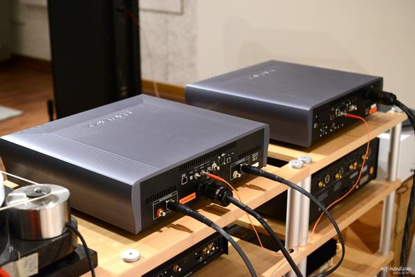 8 4 - 新品   稳座当今顶级讯源之林: Playback Design MPT-8 SACD/CD转盘+MPD-8