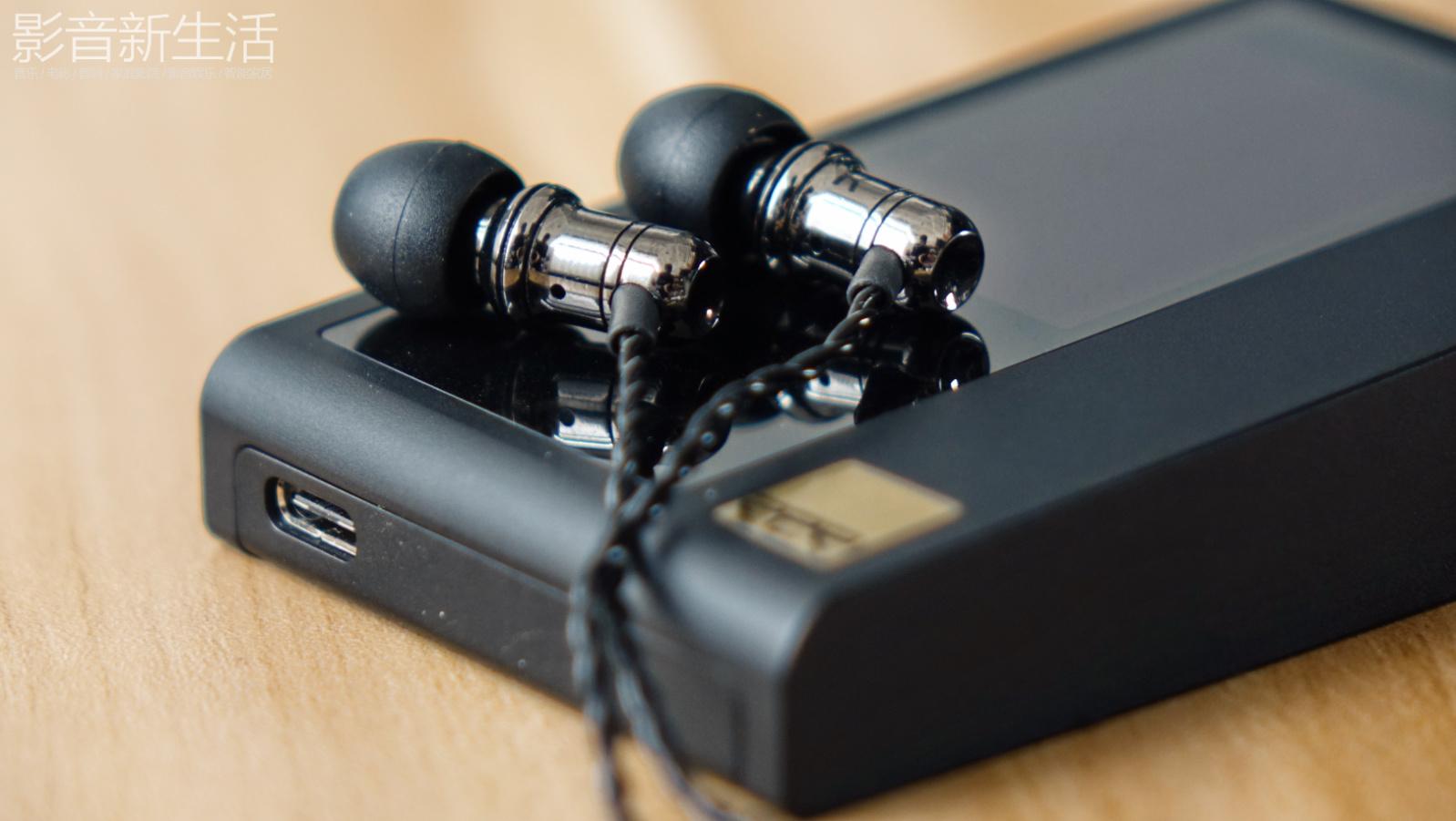 "Noble Audio EDC Bell 13 - 试听 | ""黄铜加持,音质再提升"" Noble Audio EDC Bell 入耳式耳机"