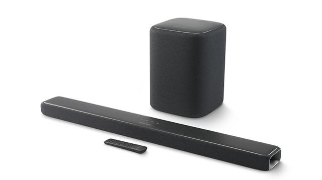本次Harman Kardon发表会的重点:Enchant 1300 soundbar。画面后方的Enchant SUB无线超低音为选配。