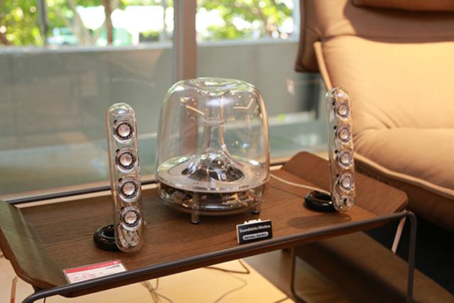 源自经典的Harman KardonSoundSticks Wireless蓝牙多媒体喇叭组。
